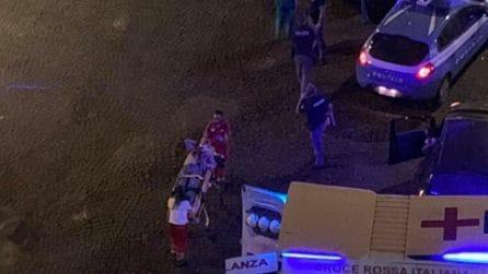 Napoli, incidente tra un'auto ed una volante di polizia: due feriti, uno è in gravi condizioni
