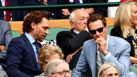 Tom Hiddleston e Benedict Cumberbatch vicini a Wimbledon, fan impazzite