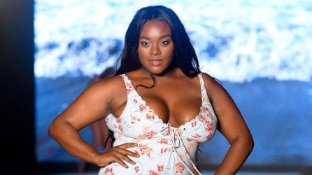 Sports Illustrated Swimsuit dà spazio all'inclusività in passerella