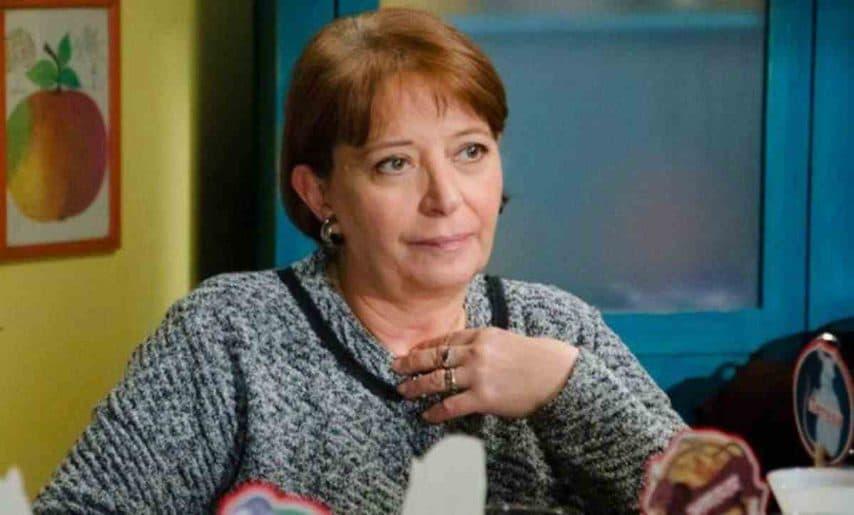 È nata a Napoli il 24 marzo 1945