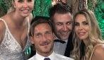 Ilary Blasi e Francesco Totti testimoni al matrimonio di Silvia, la sorella della conduttrice romana