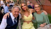 Ilary Blasi in giallo al matrimonio della sorella
