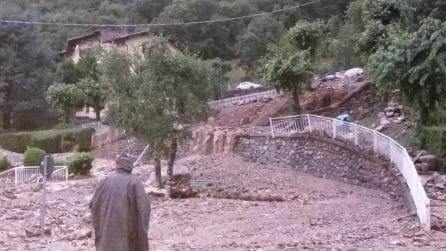 Nubifragio in Alta Valsassina, strade travolte da fango e detriti. Isolata l'intera zona
