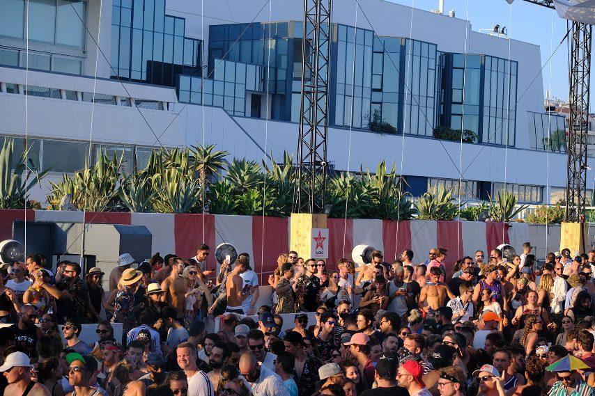 Venerdì 9 agosto 2019, il re SOLOMUN ha fatto della Spiaggia della Croisette il suo regno. In un'atmosfera degna dei più grandi dancefloor di Ibiza, ha assicurato una serie di chiusure totalmente maestose.