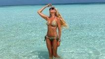 Federica Panicucci in bikini, forma perfetta a 51 anni