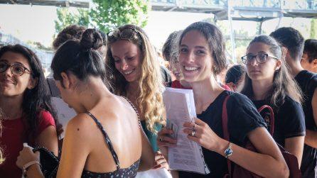Milano, migliaia di candidati in coda per il test di Medicina 2019 di Statale e Bicocca