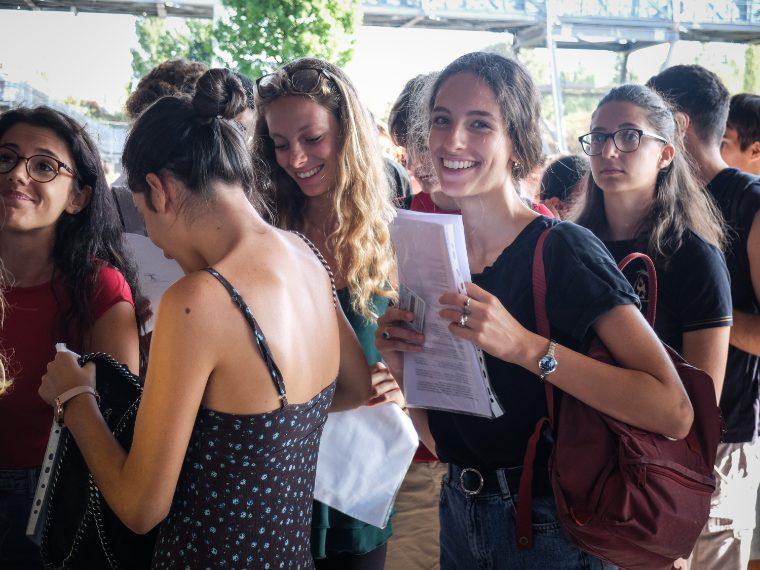 Folla al Forum di Assago per il test della Statale