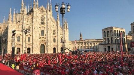 F1, festa Ferrari a Milano: piazza Duomo si tinge di rosso