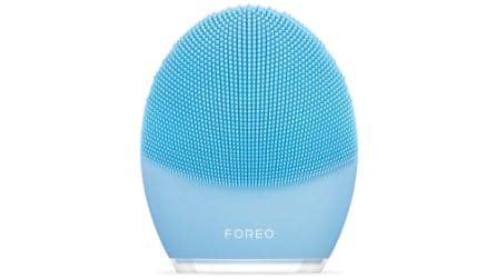 I prodotti per combattere l'acne dopo l'estate