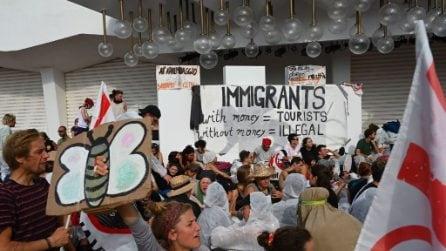 Mostra di Venezia 2019: ambientalisti bloccano il red carpet