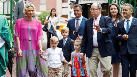 Charlene di Monaco con i figli Gabriella e Jacques al picnic di settembre