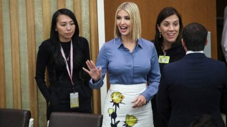 Ivanka Trump con il caschetto e la gonna griffata