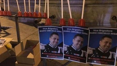 Una fiaccolata in ricordo del carabiniere ucciso: Roma vicina alla moglie di Mario Cerciello Rega
