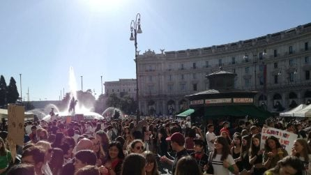 Friday's For Future a Roma, migliaia di giovani in piazza per la manifestazione