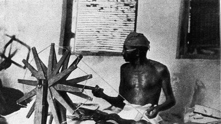 150 anni fa nasceva Mahatma Gandhi, il profeta della nonviolenza