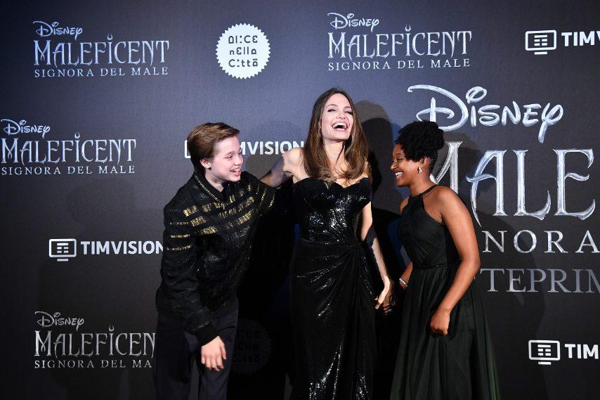 Angelina Jolie on le figlie Shiloh e Zahara