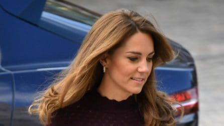 Kate Middleton con la mini bag griffata