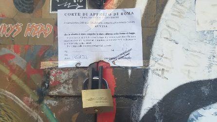 Sfratto eseguito al Nuovo Cinema Palazzo di San Lorenzo: le porte saldate