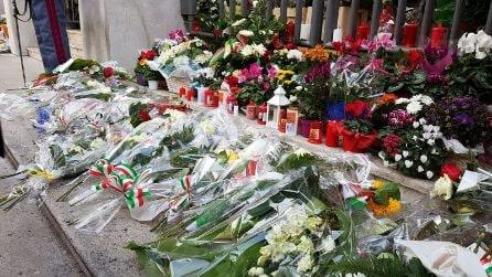 La camera ardente di Pierluigi Rotta e Matteo Demenego, i polizittoi uccisi a Trieste