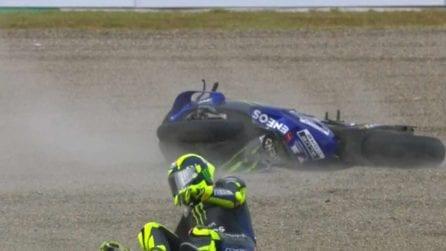 MotoGP, la caduta di Valentino Rossi in Giappone