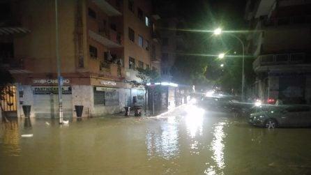 Roma, allagata via di Monteverde: si apre una voragine, strada chiusa