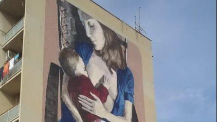 Madre che allatta il suo bambino, il murales allo Sperone di Palermo