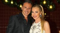 Federica Panicucci festeggia i 52 anni col vestito cut-out