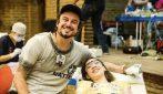 Il dentista che viaggia per curare i più poveri e donargli un nuovo sorriso