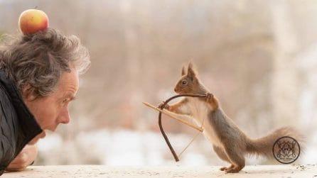 Fotografa ogni giorno per 6 anni degli scoiattoli: gli scatti sono veramente unici