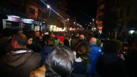 Migliaia in piazza per difendere la Pecora Elettrica