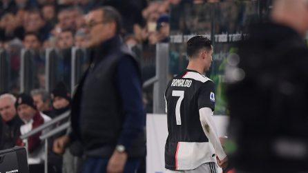 Ronaldo sostituito, occhiataccia a Sarri: esce e lascia lo stadio