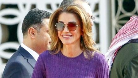 Come imitare il look color block della regina Rania di Giordania
