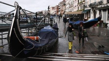 Acqua alta a Venezia, ecco le foto della città sommersa