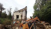 Via Nicolardi, al via i lavori sul palazzo crollato: le macerie rimosse dopo 10 giorni
