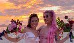 Lady Gaga in rosa al matrimonio della truccatrice