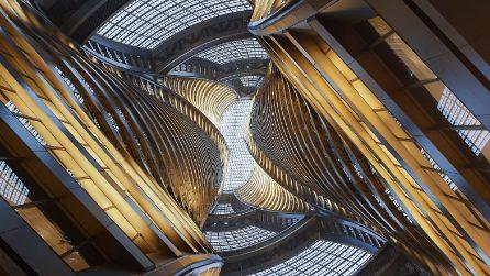 All'interno dell'enorme atrio della Torre Leeza SOHO di Pechino