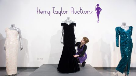 L'abito di velluto che Diana indossò per ballare con John Travolta