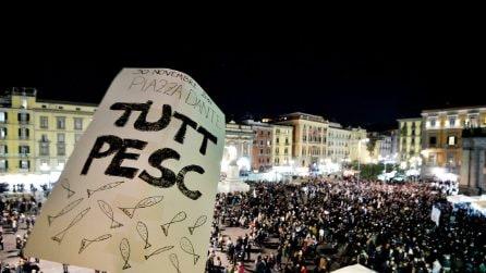 Sardine a Napoli, in 10mila contro Matteo Salvini