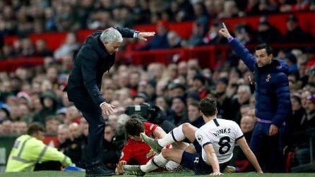 Il tackle di Daniel James su Mourinho