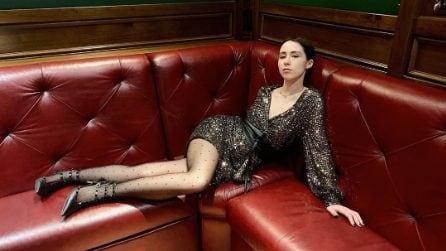 Aurora Ramazzotti in paillettes per la festa dei suoi 23 anni