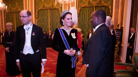 Kate Middleton in blu con la tiara di Lady Diana