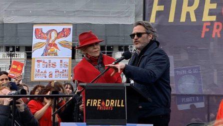 Joaquin Phoenix protesta con Jane Fonda per l'ambiente
