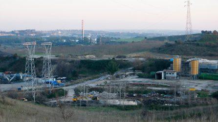 Rifiuti a Monte Carnevale, il sito vicino all'aereoporto di Fiumicino scelto per la discarica