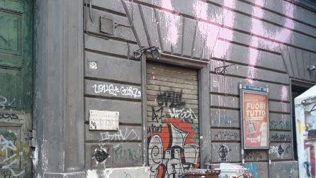 A Napoli i graffiti della crew 1up di Berlino