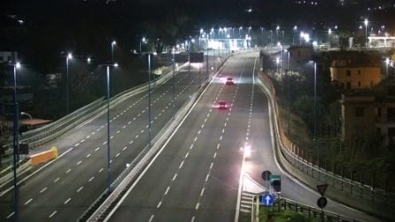 Napoli, identificati i 7 ragazzi che andavano contromano sugli scooter in Tangenziale