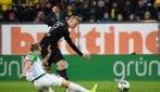 Tripletta per Haaland all'esordio con il Borussia Dortmund