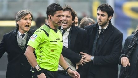 Antonio Conte faccia a faccia con l'arbitro Manganiello