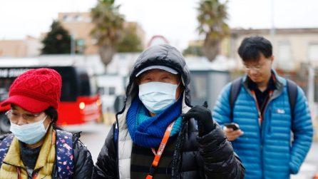Coronavirus, passeggeri scendono dalla nave crociera ferma 24 ore nel porto di Civitavecchia