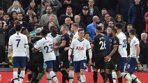 Tottenham-Manchester City, rissa e polemiche dopo un rigore dato con il VAR