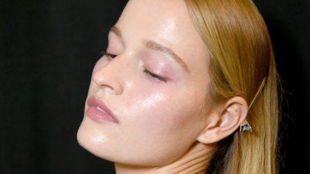 Glowing & minimal: il ritorno al make up naturale